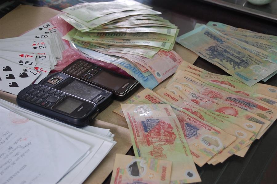 Trách nhiệm hình sự về tội đánh bạc và những điều cần biết